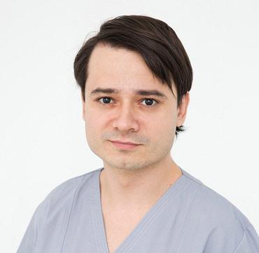 dr andrei tent clinica maxilomed oradea medic primar chirurg maxilo facial chirurgie orala