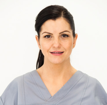 dr denisa sabau clinica maxilomed oradea medic stomatolog competenta protetica dentara stomatologie oradea