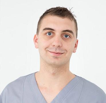 dr marius dialog clinica maxilomed oradea medic stomatolog stomatologie oradea