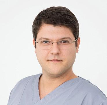 dr mihai juncar clinica maxilomed oradea medic primar chirurg maxilo facial chirurgie orala